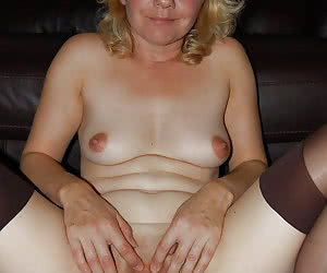 MILF close up