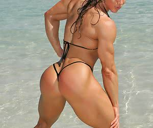 Women with extreme strengt.