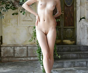 Sexy young ladies posing completely nude outdoors