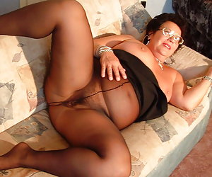 Matures in nylon tights
