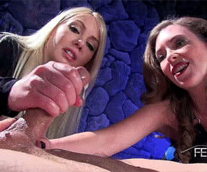 Double Blowjob animated GIF