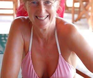 Mature And Milf In Bikini